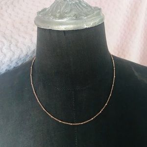 Short simple rose gold necklacd